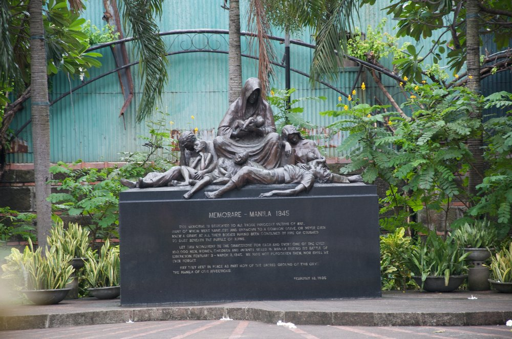monument-depicting-how-150000-philippines-died-in-1945-1.jpg