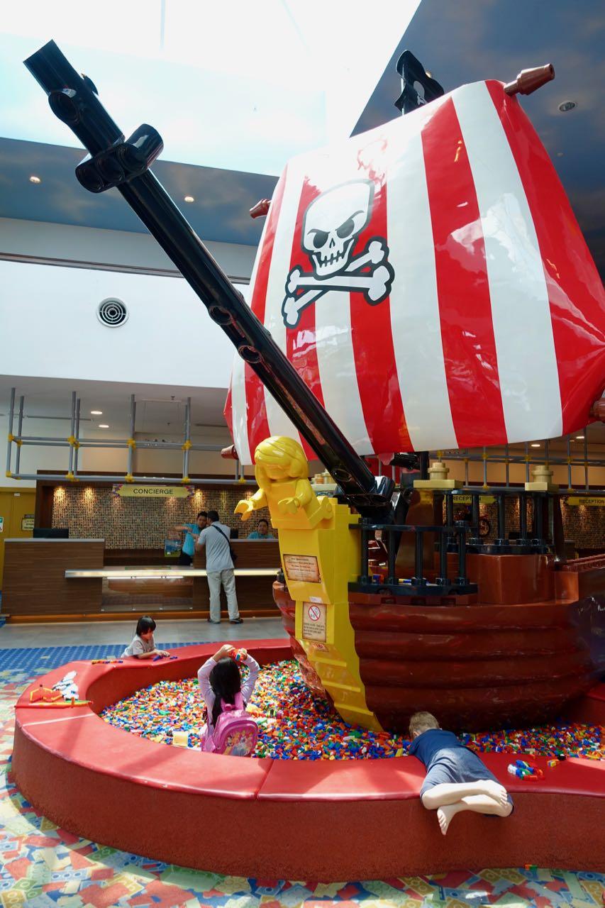 lego boat ll.jpg