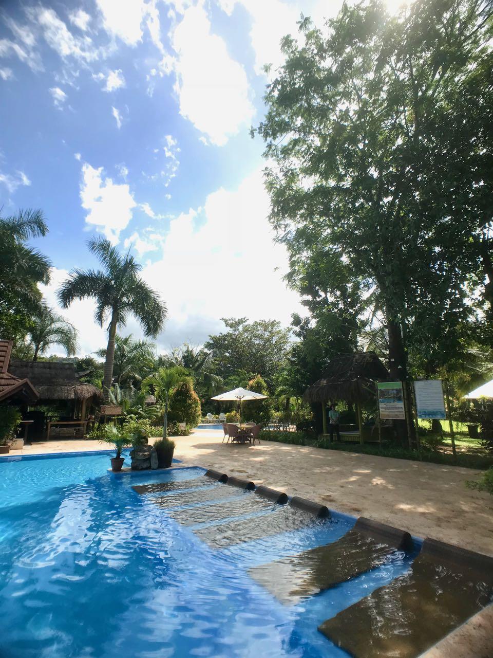 pool view v.jpg
