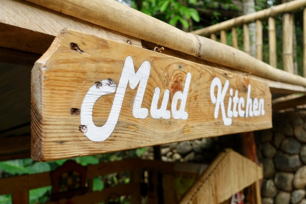 mud kitchen l.jpg