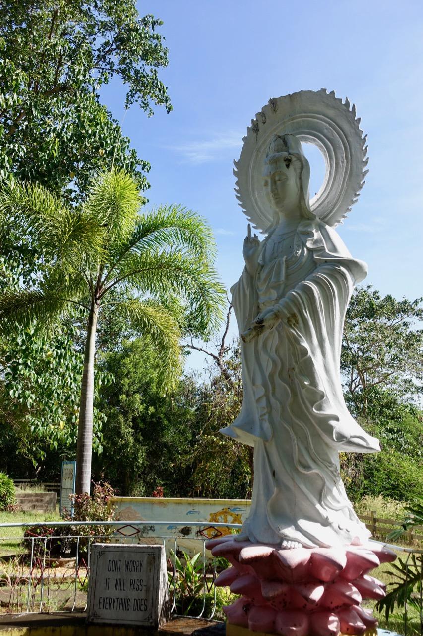 vietnam statue ll.jpg