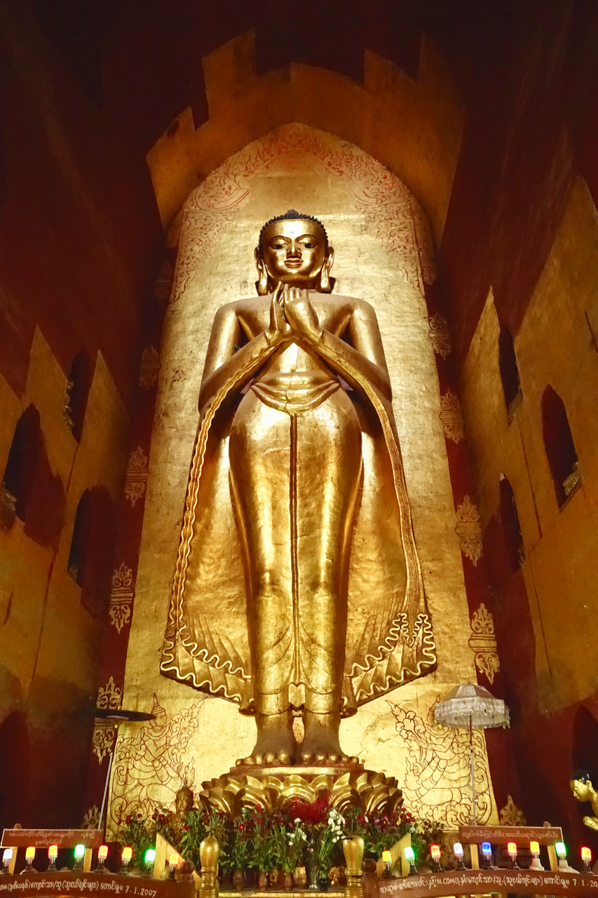 - BUDDHAS ARE PLENTIFUL IN ANY buddhist STRUCTURE of MYANMAR. This particular buddga, bhudda kasapa of the Ananda temple, stands OVER 31 feet TALL.