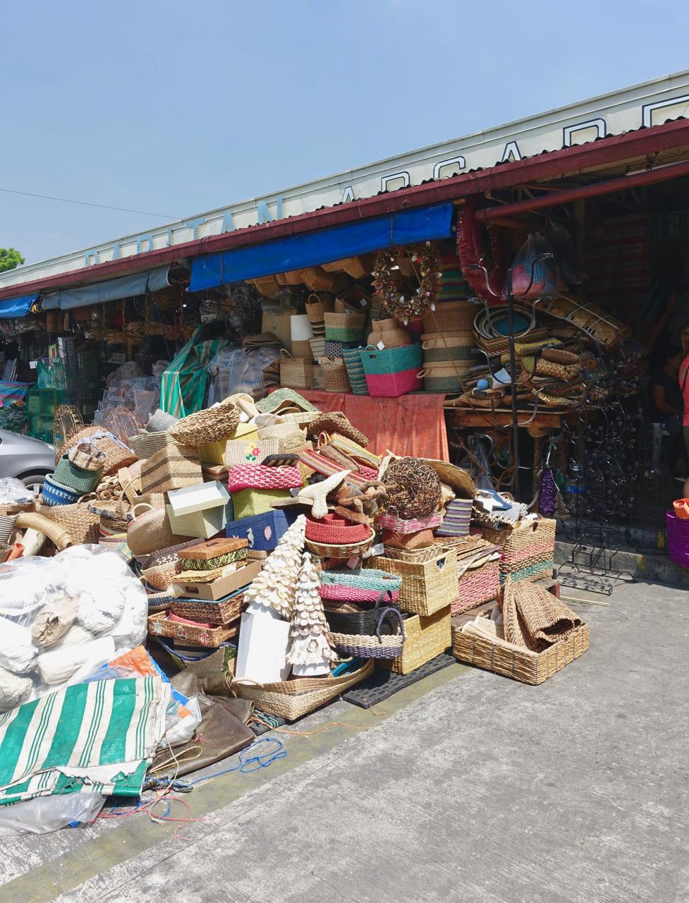 - DAPITAN ARCADE39 Dapitan corner Kanlaon st. Bgy. Sta. TeresitaQuezon City, Philippines 1114