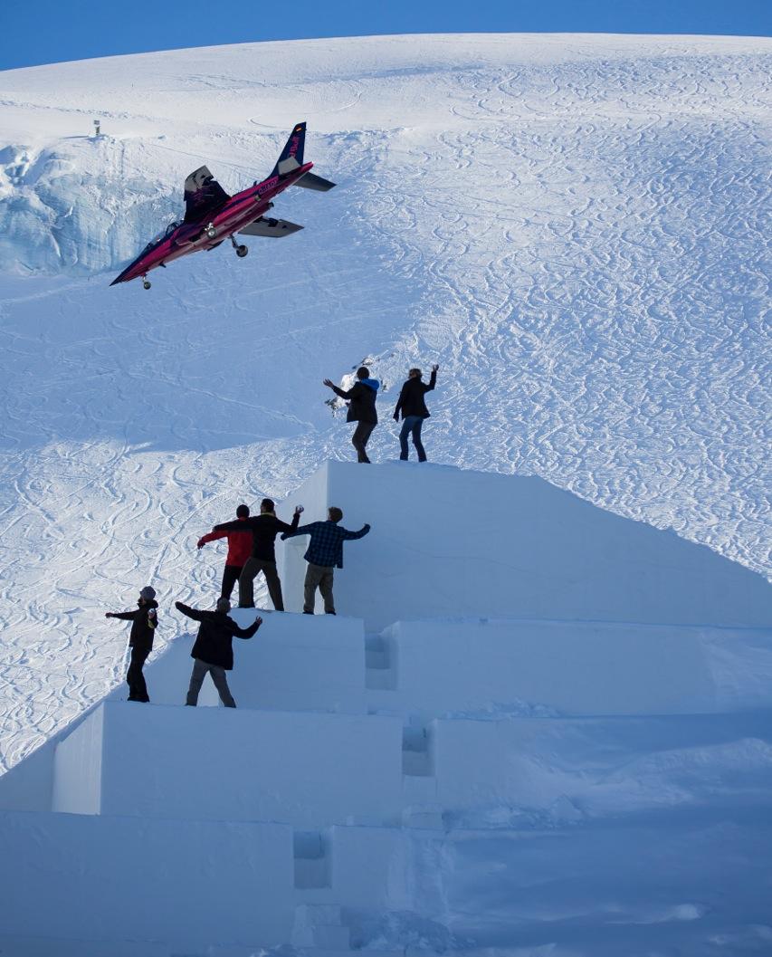 Snowball fight with Alphajet, © Lorenzi