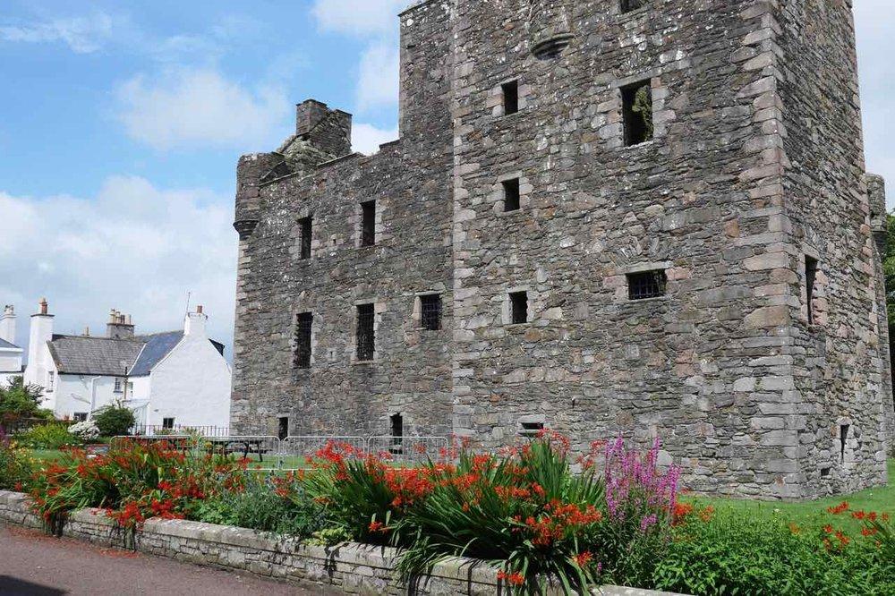 Maclellan Castle