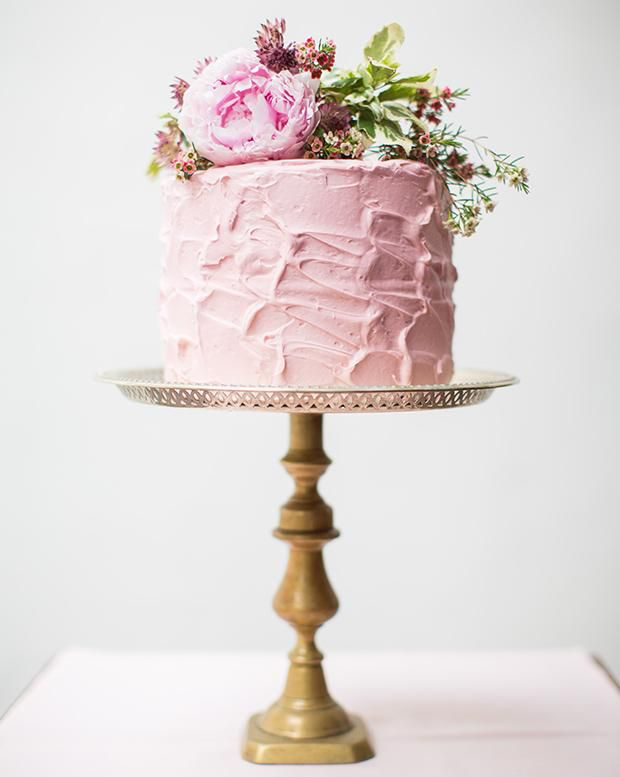 Image from:  https://www.easyweddings.com.au/articles/layer-love-single-tier-wedding-cakes/