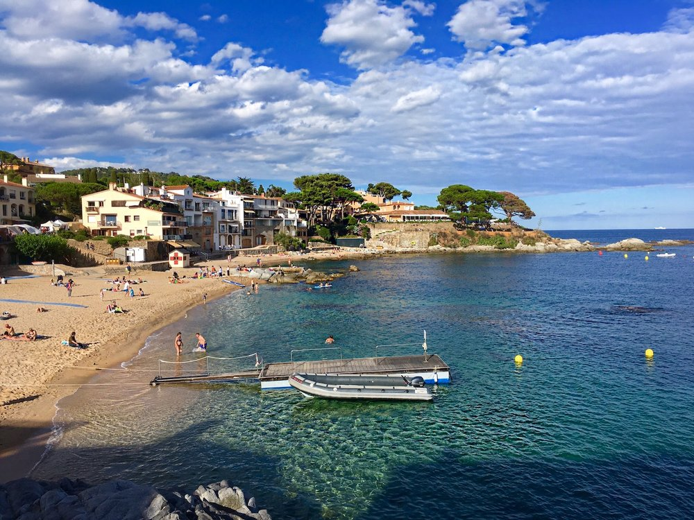 When I told my exchange partner that I had been dreaming of returning to Calella de Palafrugell one day, she sent me this photo from her phone. Just a 1.5 hr drive away from Barcelona.