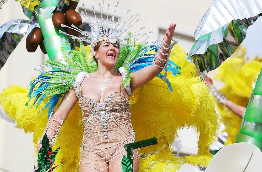 Desfile 2006  Carnaval Sesimbra 004.jpg