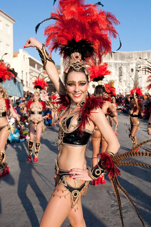 Desfile Carnaval 2012 Sesimbra021.jpg