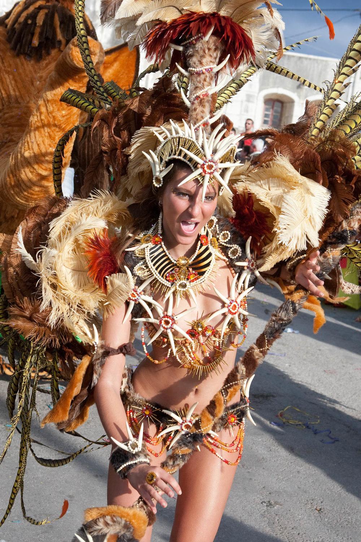 desfile carnaval sesimbra samba006.jpg