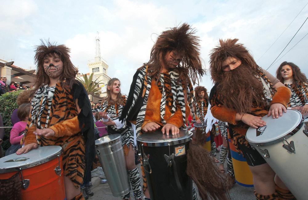 desfile carnaval sesimbra samba069.jpg