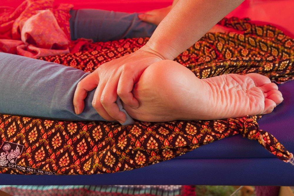 thai massage feet