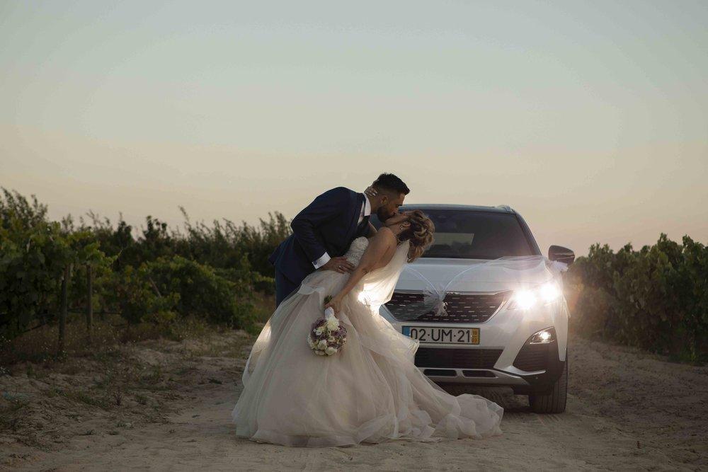 wedding car bride and groom