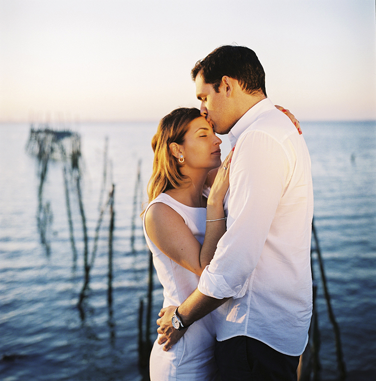 engagement session in Comporta beach