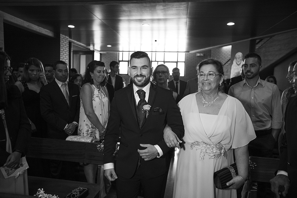 groom and mother