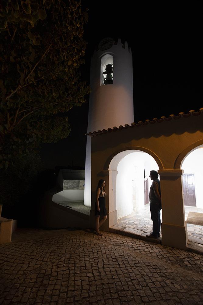 Namorados a porta da Igreja