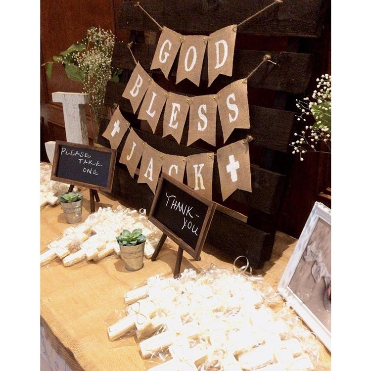 Our cookies are an elegant choice for bombonieres for Baptisms and other celebrations! -