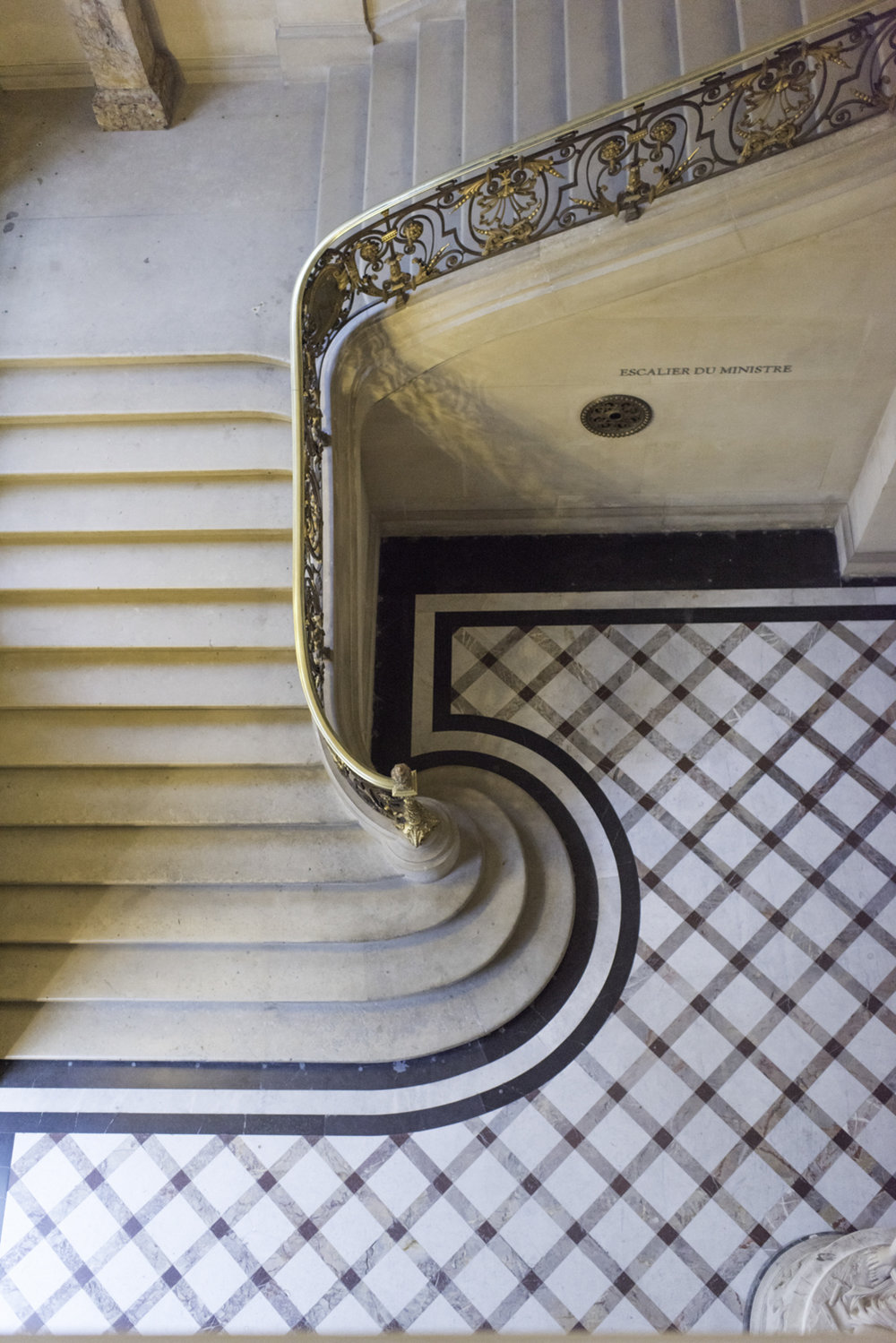 LouvreStaircase.jpg
