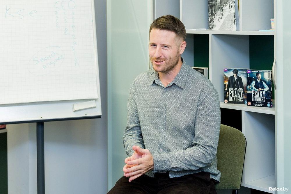 Авторский курс - Джон разработал специальный курс для носителей русского языка в Беларуси