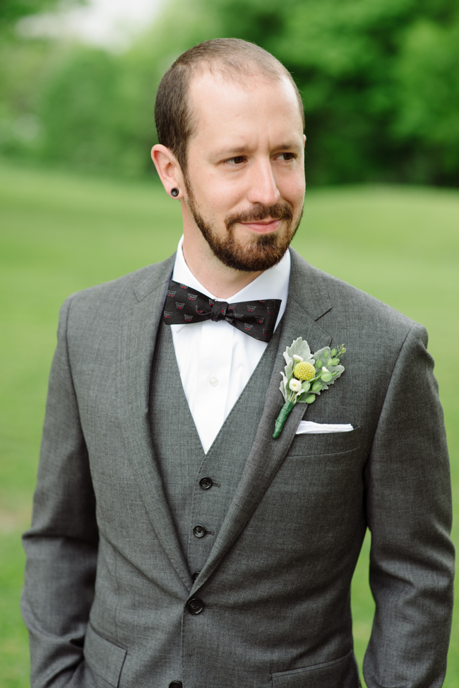 groom portrait at Oak Hill