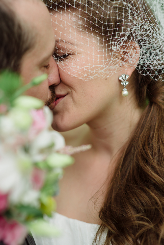 bride groom first look kiss