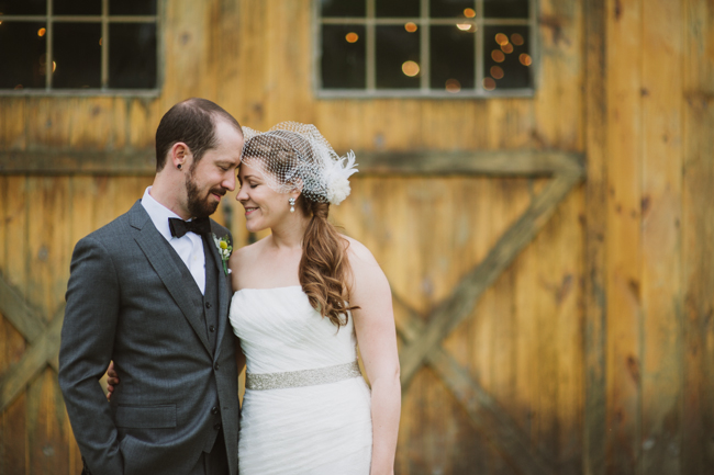 bride and groom at Oak Hill in Hudson, NY