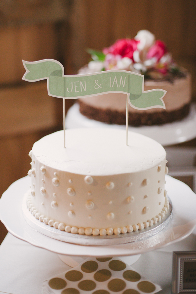 wedding cake at Oak Hill reception