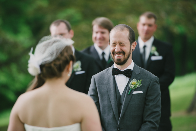groom cracks up at Oak Hill wedding
