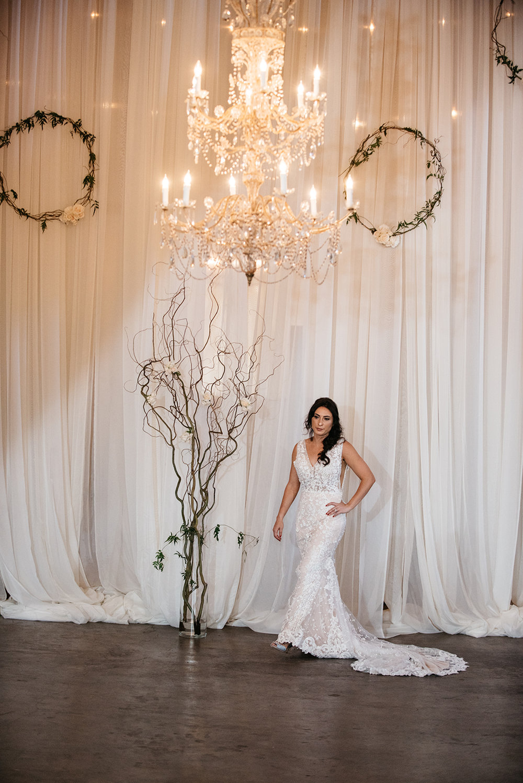 Model Elizabeth Tanin wearing Calla Blanche.