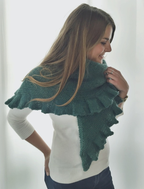 a kate-middleton inspired knit shawl -