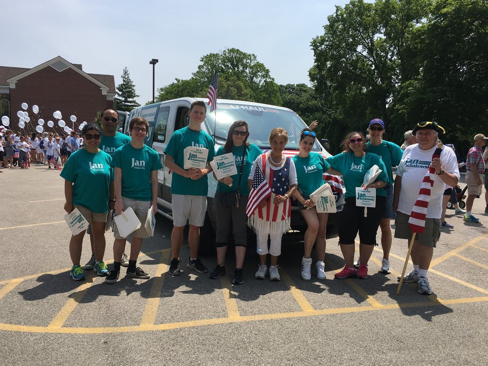 Sign up to receive our emails and newsletters - You are invited to join Indivisible Glenview, a community of progressive activists in Glenview IL.