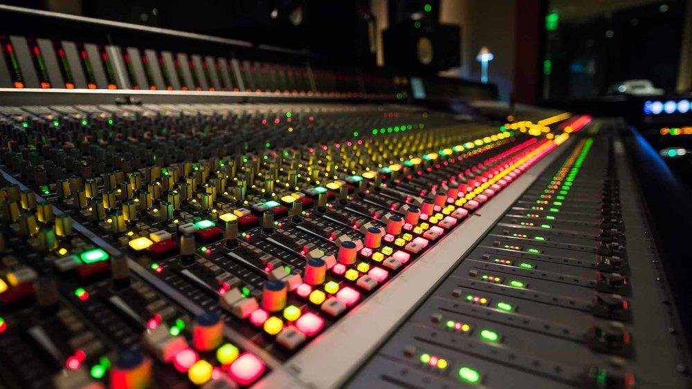 audiodesk8.jpg