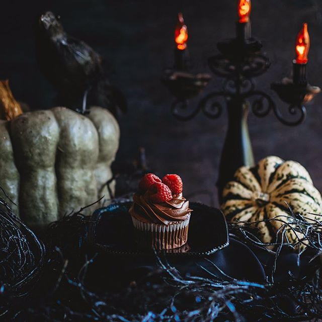 Being that it's fall and Halloween is my favorite holiday I had to make something decadent as well as sinister for National Chocolate Cupcake Day! . Devils food cupcakes with raspberry filling and chocolate frosting. 😈 . . . #kristinthomasphotography #nationalchocolatecupcakeday #ashevillephotographer #foodphotography #foodstyling #halloween #smalpresets #imsomartha #foodphotographyandstyling #f52grams #thekitchn #feedfeed #buzzfeasts #food52 #foodgawker #yum #huffpostetaste #foodgram #eatingfortheinsta #insiderfood #buzzfeedfood #sweetmagazine #southernlivingmagazine #stilllifephotography #foodblogger #cheatday #cupcakes #foodart #eeeeeats #darkfoodphotography