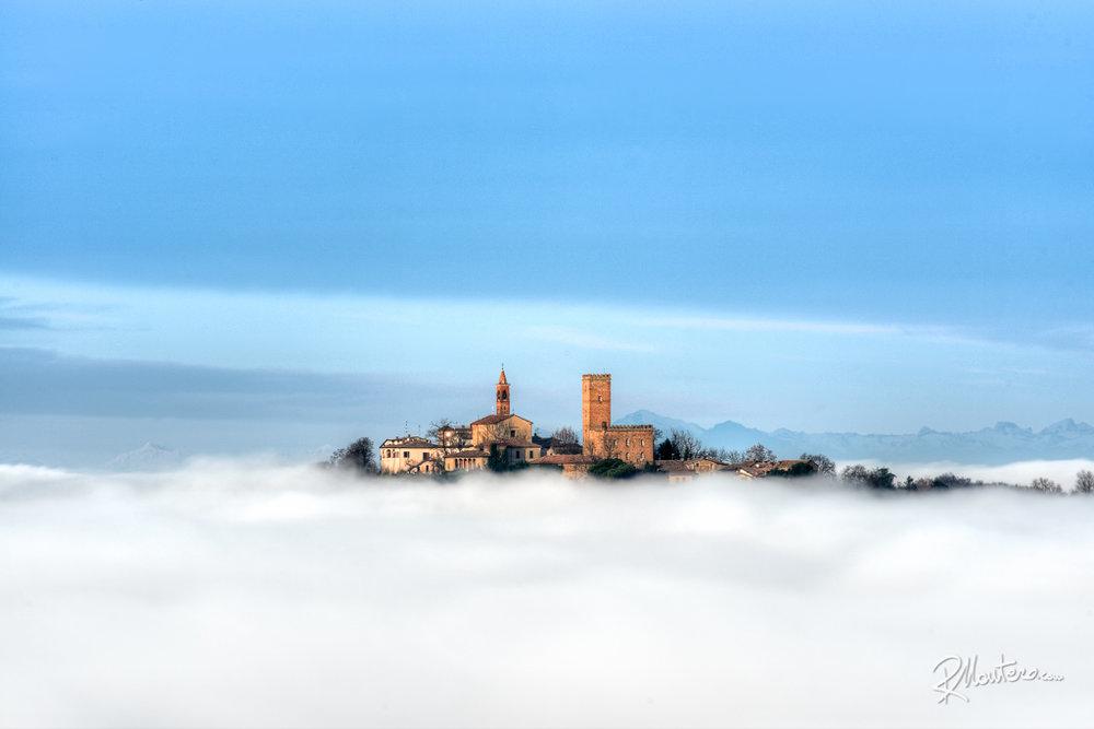 05-Nazzano-Castle-320mm.jpg