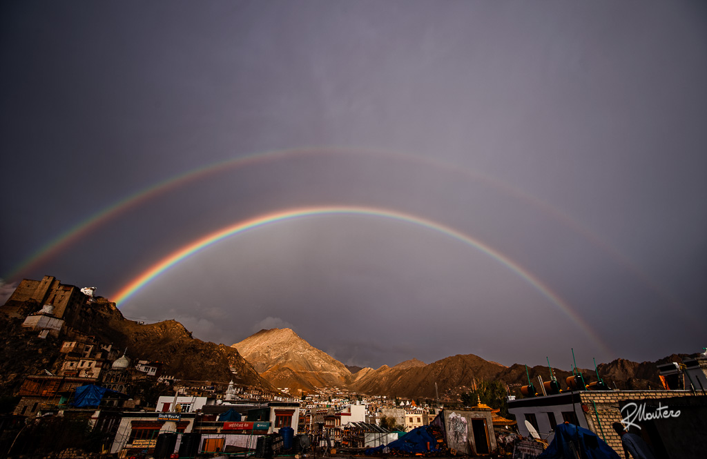 As a warm welcome, Leh, in Ladakh saluted us all with thi stunnuning double rainbow or a single gigantic rainbow, cannot decide. Anyway, thanks, little Tibet.