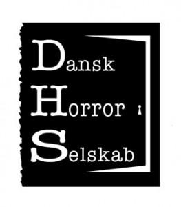 Jeg er formand for Dansk Horror Selskab, en gruppe på cirka 50 kunstnere, der arbejder på at udbrede kendskabet til horror. Læs mere her.