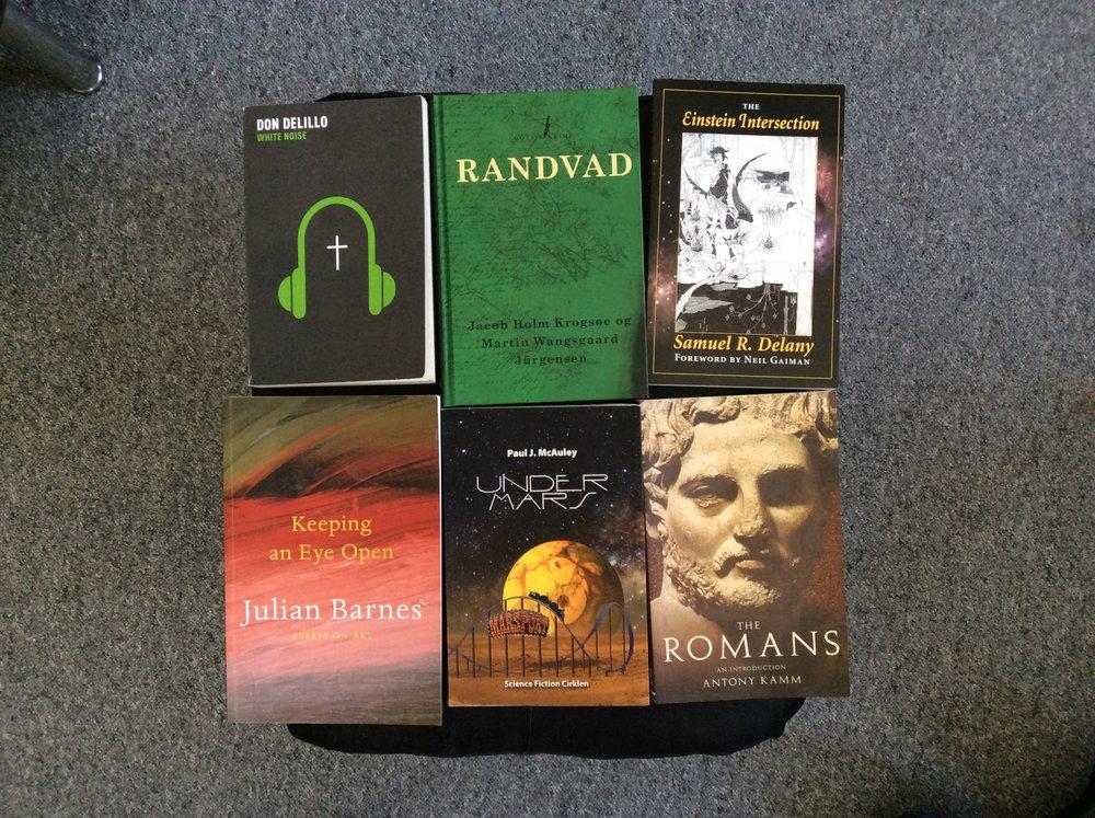 Seks af de bøger jeg nævner i dette indlæg.