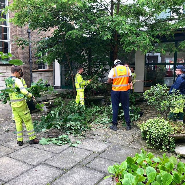 Our level 2 apprentices are out helping the local  Walworth Methodist Church clear out their yard for an exciting new peace project coming up #keepupthehardwork #training #community #apprenticeships  #walworthmethodistchurch #peaceproject
