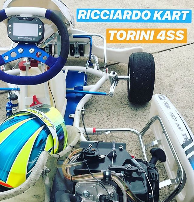 Enjoyed a blast in the @toriniengines powered @ricciardo_kart, definitely impressed with its performance and user friendliness... add fuel, lube chain, cut laps, repeat 👊🏼 Brand 🆕 DR-AM29 package $5495, demo model just $4495 👍🏻| #calibremotorsport #ricciardo kart #toriniengines #4stroke