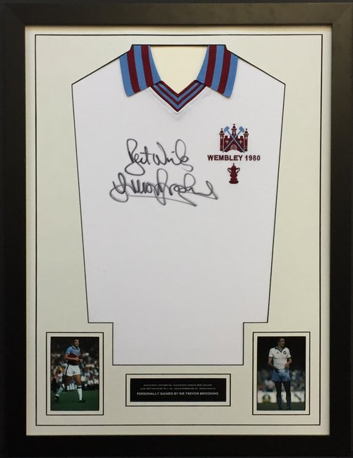 Trevor Brooking Signed Shirt (35\
