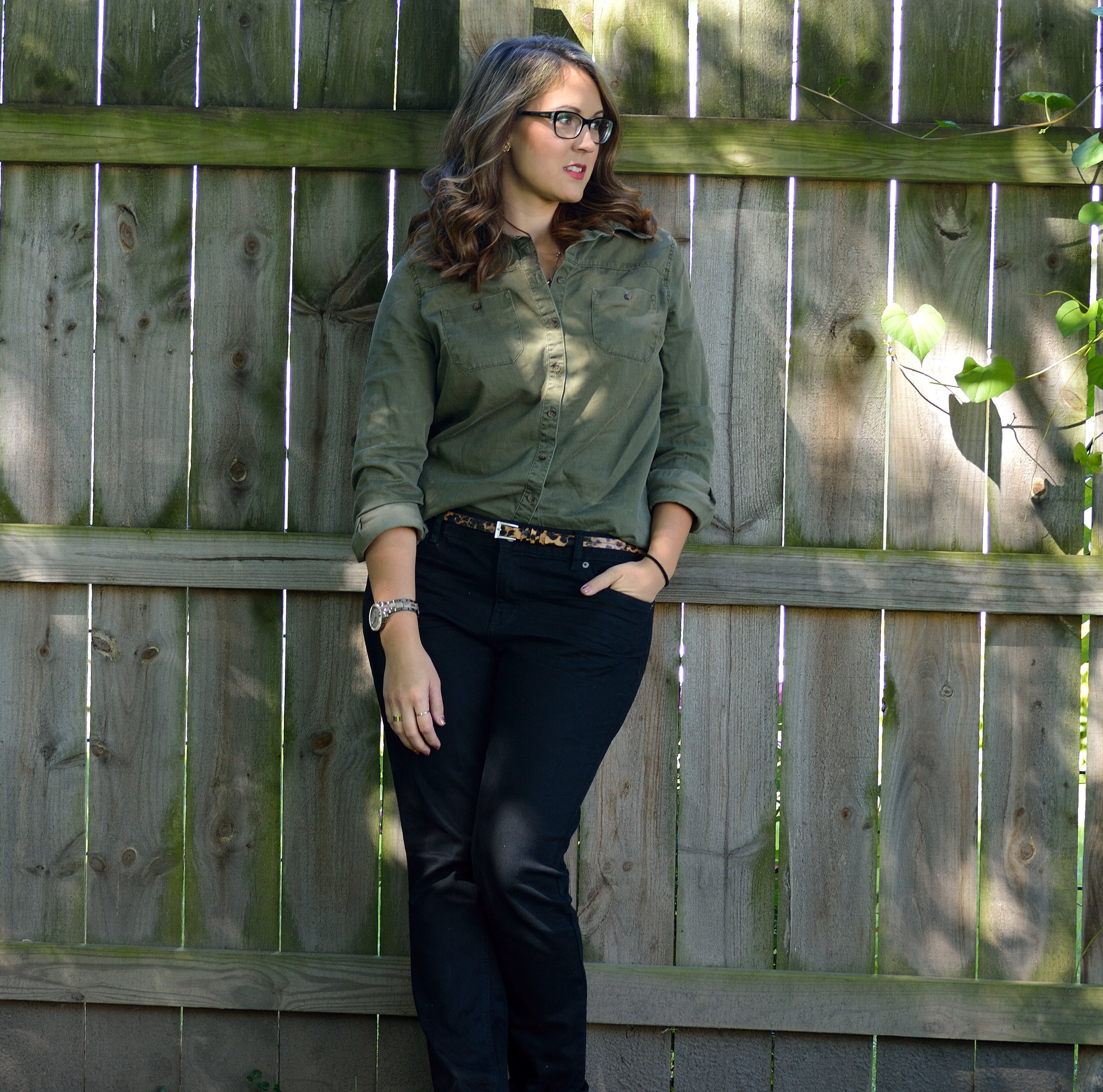 green shirt skinny jeans 4