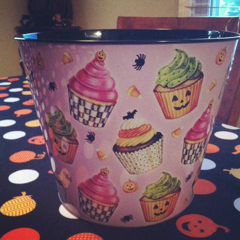 cupcake halloween bucket