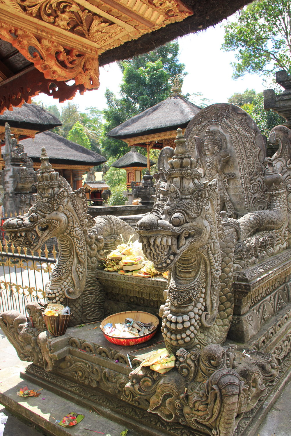 Intricate details that make the difference 🐲 at Pura Lempuyang.