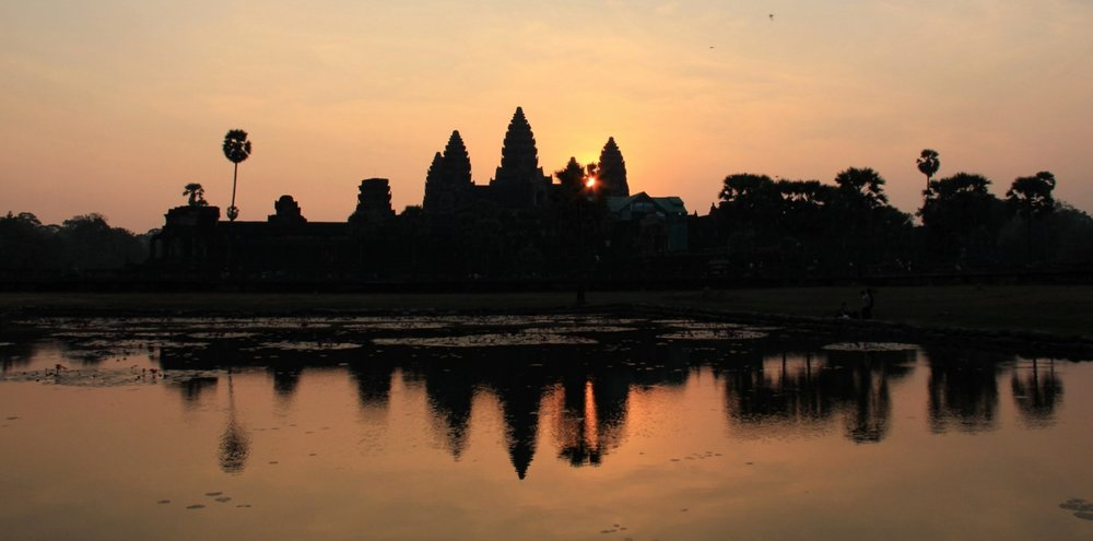 Finally the sun decided to appear in between the towers of Angkor Wat. This is simply magic, you just have to live it.