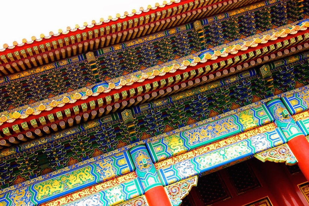 Color Painting is one form of decorations in Chinese ancient buildings, which is used not only decoratively, but also to protect the wooden structure from deterioration.