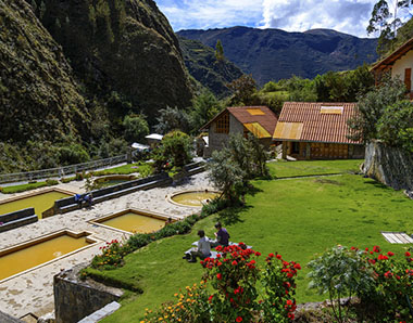 valley-lares-trek-to-machupicchu.jpg