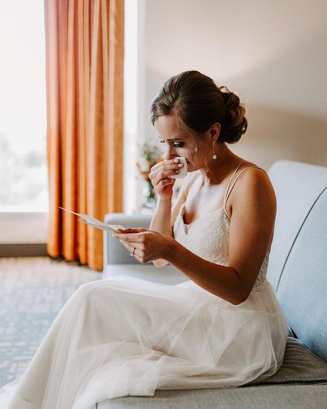 In this moment, Alex couldn't even read the first line without her eyes filling up with tears. I love that. I crave to shoot genuine people and raw moments throughout a crazy and hectic wedding day.