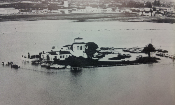 1967 Flooding of the Santa Barbara Aiport. Source: edhat.com user  beachbummer