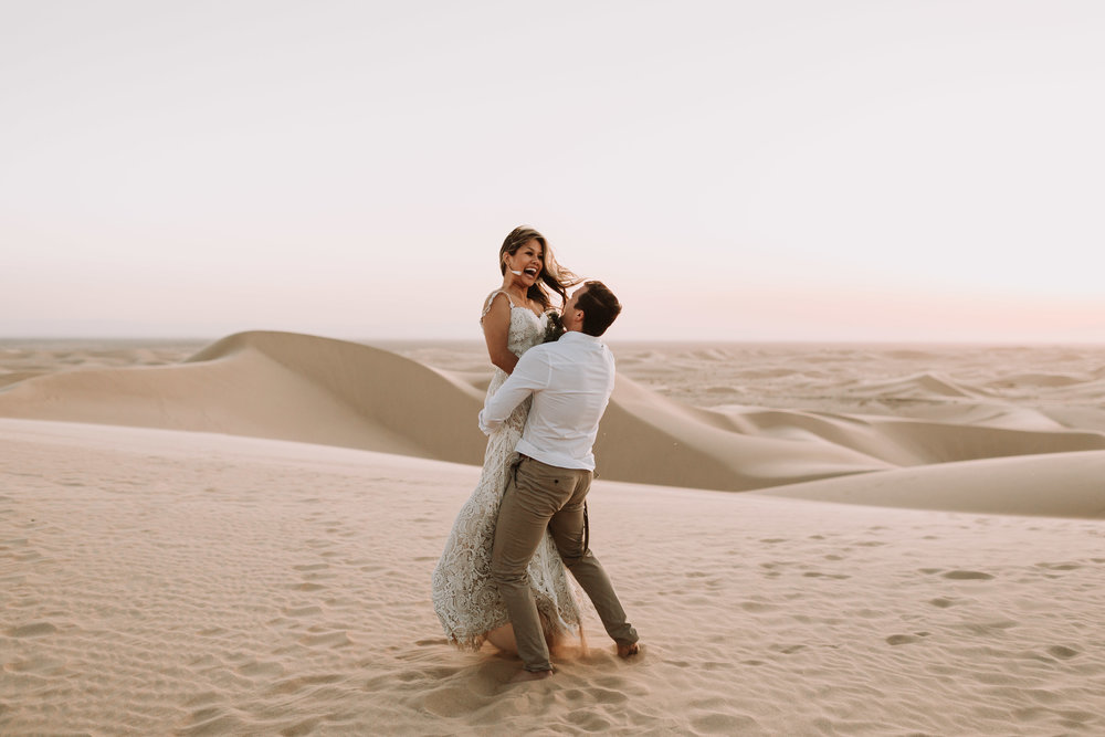 imperial sand dunes destination styled elopement wedding golden hour