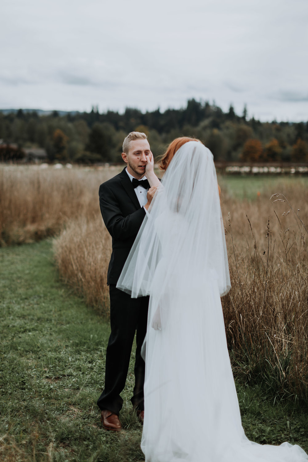 adam sophie red barn wedding arlington washington foggy day pnw first look